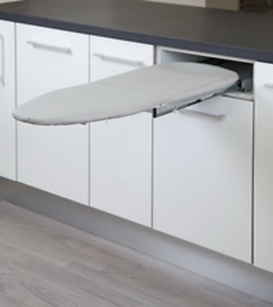 Tabla planchar extraible interior cocina y ba o for Mueble que se convierte en cama