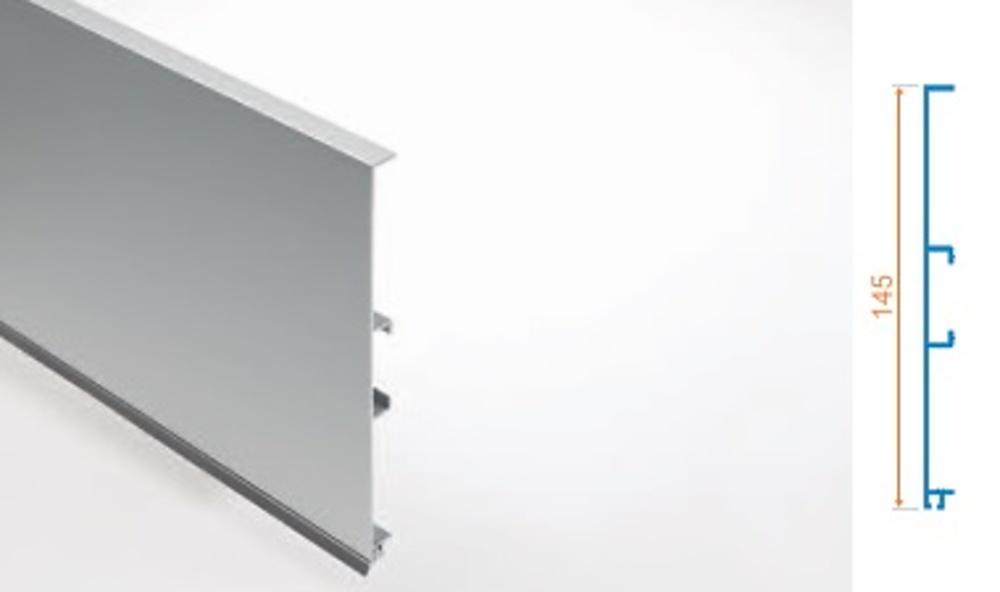 Zocalo aluminio con goma cocina y ba o interiorismo y for Zocalos de aluminio para muebles de cocina